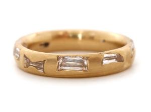 Lrg-bag-diam-crystal-ring-18Y-copy-590x440